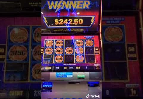 INCREDIBLE WINS ON 2 LIGHTNING LINK SLOT MACHINES #SHORTS